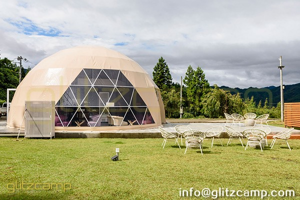 glamping resort on mountains-luxury tent hotels in Japan-glamping geodesic dome tent-eco living geodome tents (19)