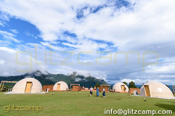 glamping resort on mountains-luxury tent hotels in Japan-glamping geodesic dome tent-eco living geodome tents (20)